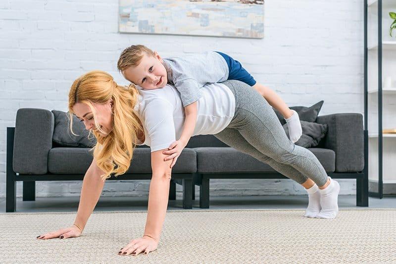 Домашняя тренировка - отжимания